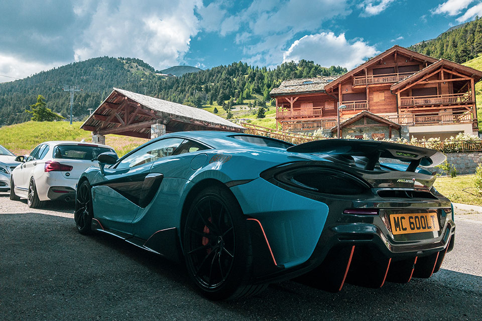 Mlue Mclaren 600LT Slap Adventures